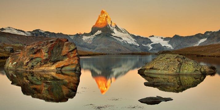 Zapálený Matterhorn v Stellisee